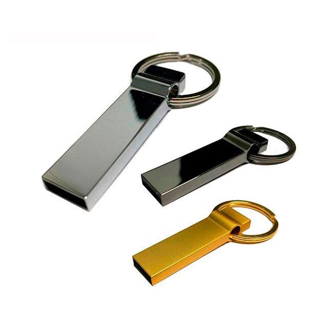 USB met�lica PLATINUM con llavero. Capacidad 8GB