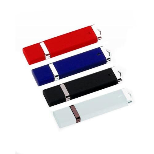 Memoria USB de Plastico con tapa, luz y vivos en plata.