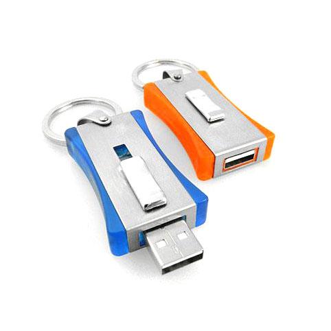 Memoria USB deslizable con cuerpo Plastico y placa metalica.