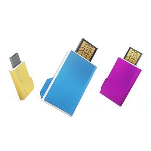 Memoria USB en forma de folder con sistema deslizable.